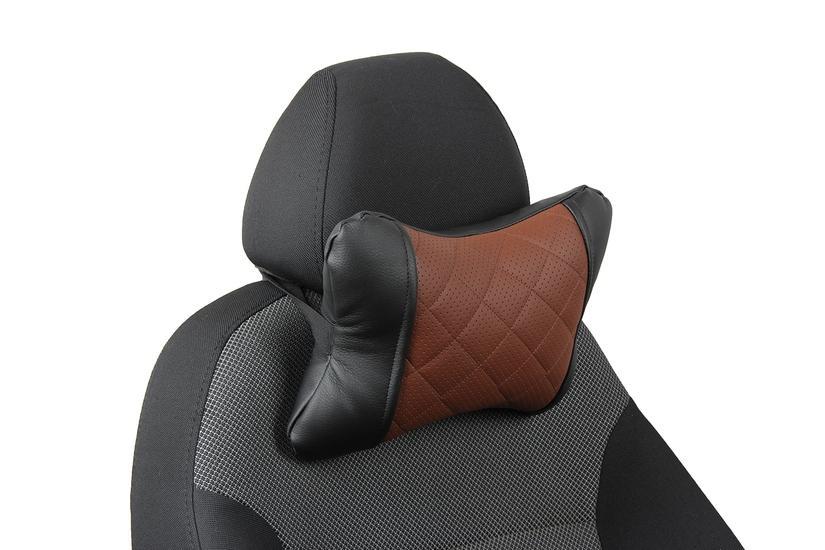 Подушка под шею из экокожи c ромбом «черный+коричневый»
