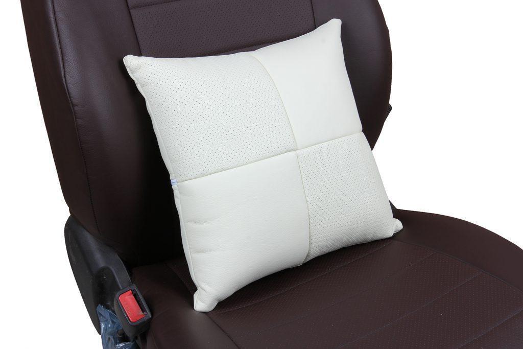 Подушка в салон автомобиля из экокожи «белый»