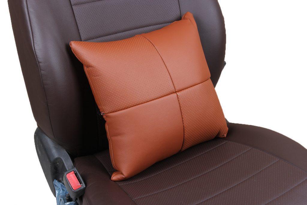 Подушка в салон автомобиля из экокожи «коричневый»