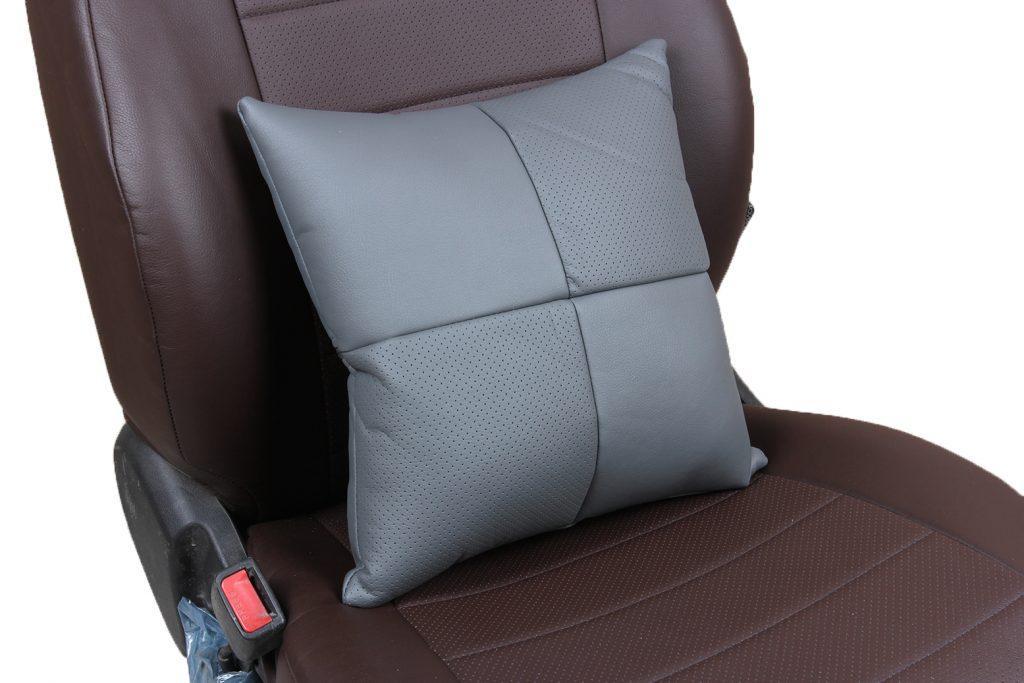 Подушка в салон автомобиля из экокожи «серый»