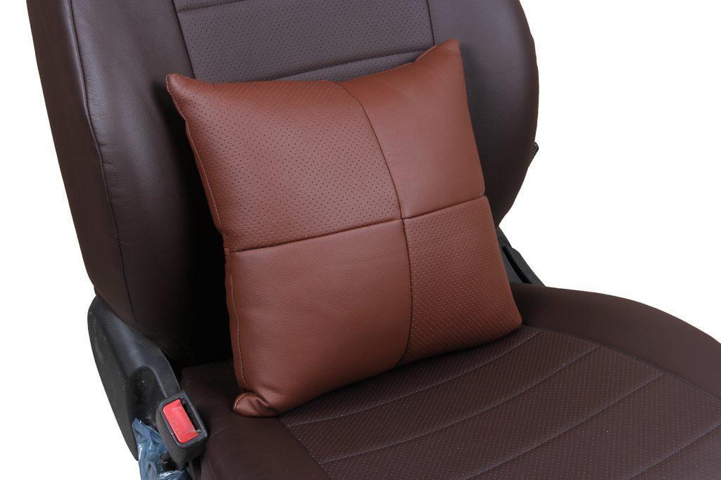 Подушка в салон автомобиля из экокожи «темно-коричневый»