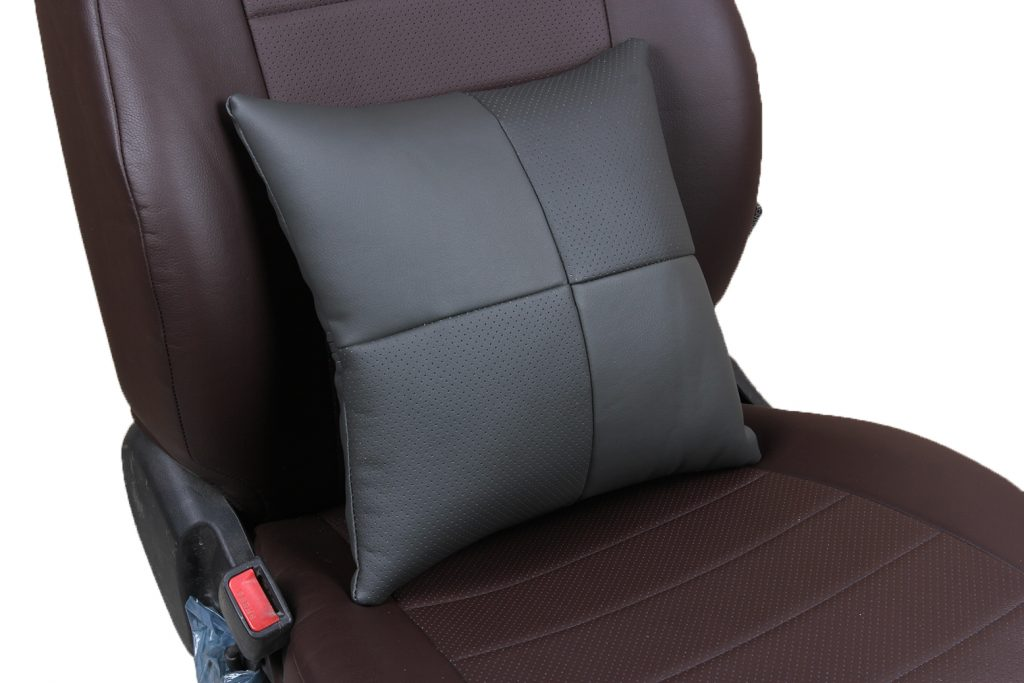 Подушка в салон автомобиля из экокожи «темно-серый»