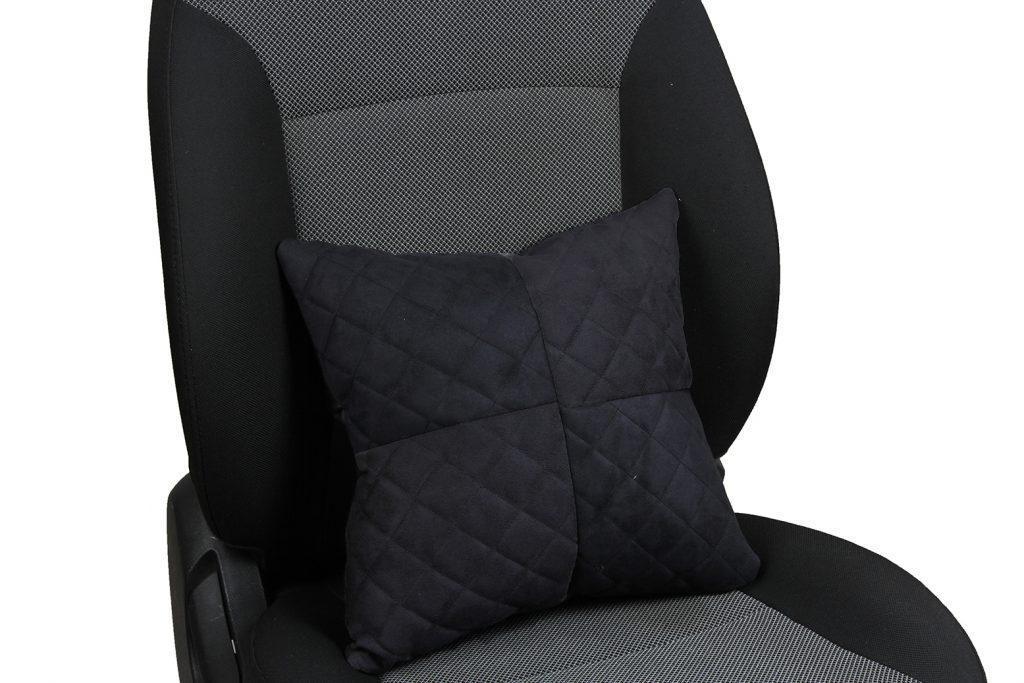 Подушка в салон автомобиля из алькантары с ромбом «черный»
