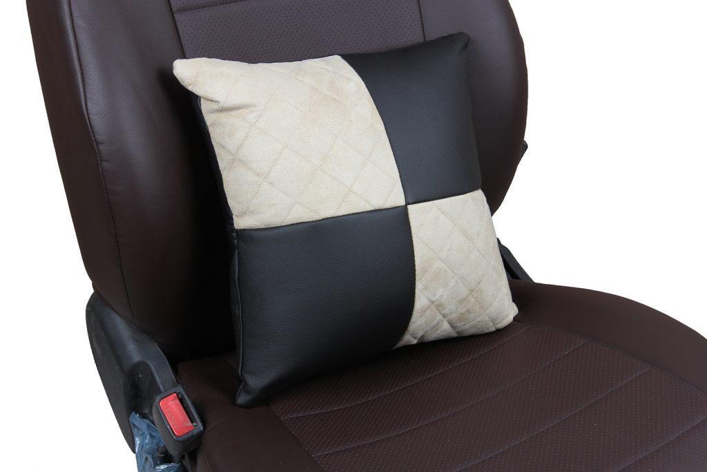Подушка в салон автомобиля из алькантары с ромбом «черный+бежевый»