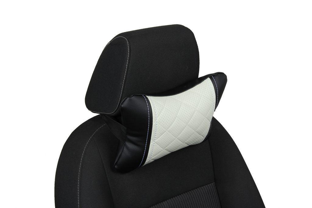 Подушка под шею из экокожи с ромбом «черный+белый»