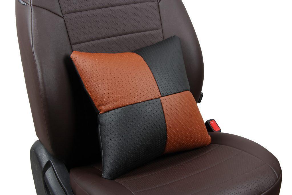 Подушка в салон автомобиля из экокожи «черный+коричневый»