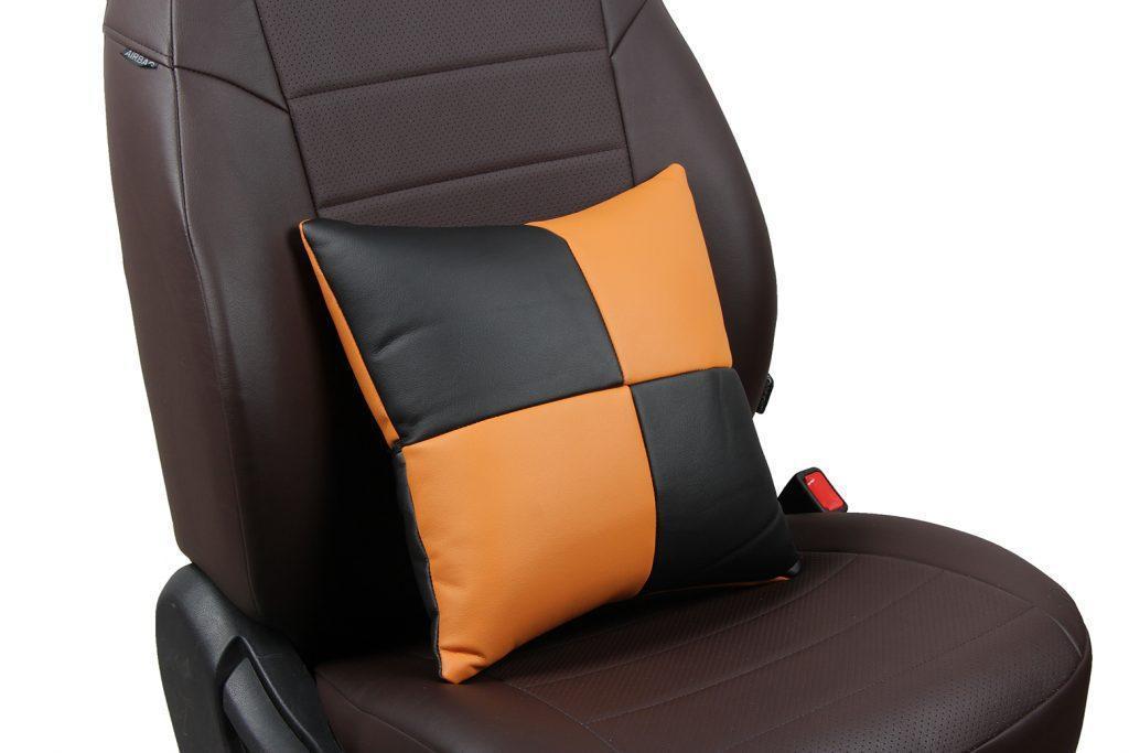 Подушка в салон автомобиля из экокожи «черный+оранжевый»