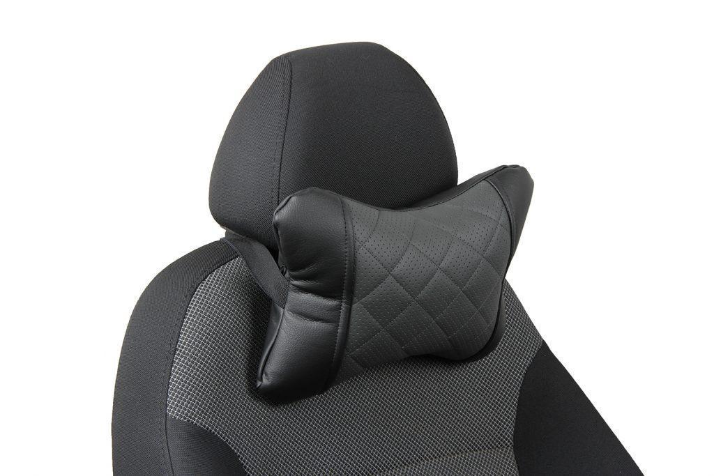 Подушка под шею из экокожи с ромбом «черный+темно-серый»