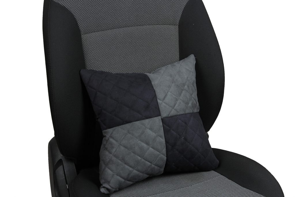Подушка в салон автомобиля из алькантары с ромбом «черный+серый»