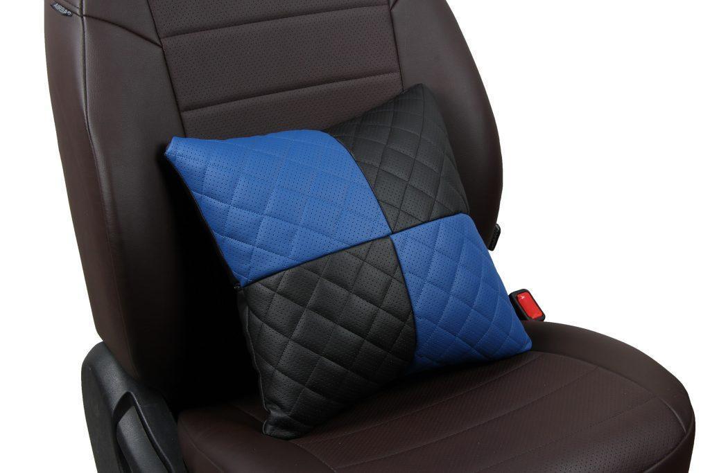 Подушка в салон автомобиля из экокожи с ромбом «черный+синий»