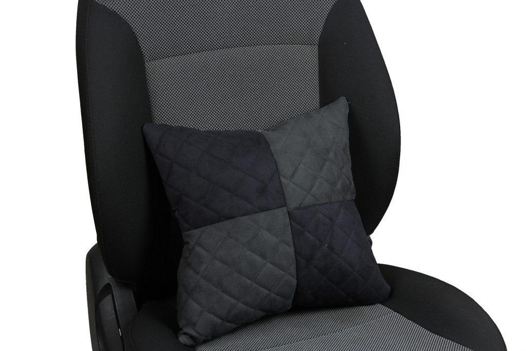 Подушка в салон автомобиля из алькантары с ромбом «черный+темно-серый»