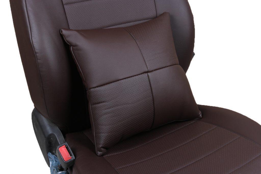 Подушка в салон автомобиля из экокожи «шоколад»